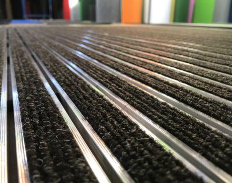 tappeto tecnico, tappeti, zerbino, tappeti su misura, passatoia, tappeti cucina, alluminio, zerbino cocco, tappeto originale, alluminio